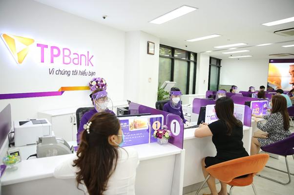 tpbank mien them nhieu loai phi cho khach hang doanh nghiep