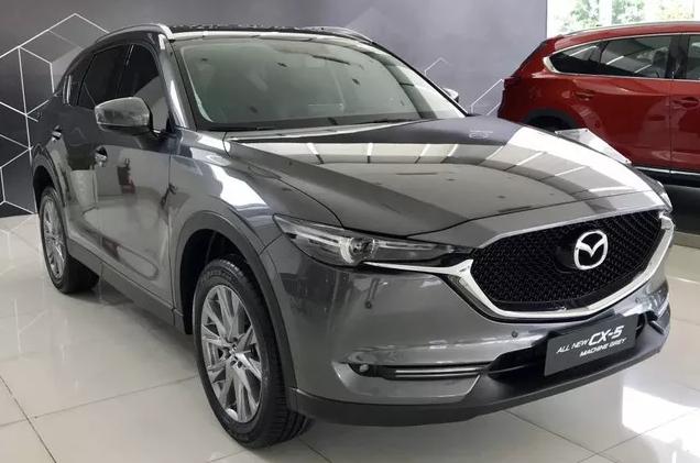 Xe Mazda giảm giá cả trăm triệu đồng
