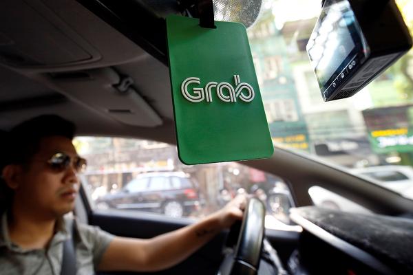 Grab cung cấp trở lại dịch vụ vận chuyển bằng ô tô