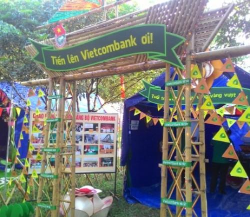 Đoàn Thanh niên Vietcombank tổ chức hội trại