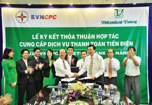 """Vietcombank Đà Nẵng: Xứng danh """"bà đỡ"""" của doanh nghiệp"""