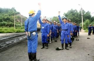 Mong bình an đến với người lao động