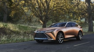 LQ - crossover chủ lực mới của Lexus