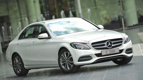 Phân khúc từ 1,3 đến 1,7 tỷ đồng chọn sedan hạng sang nào?