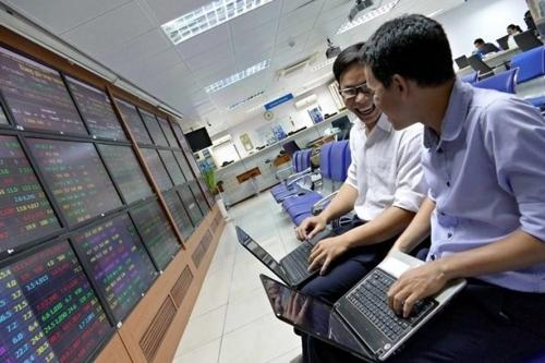 Cổ phiếu ngân hàng được định giá tốt lên