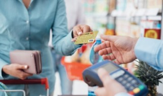Phát triển dịch vụ ngân hàng: Nâng cao trải nghiệm khách hàng