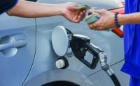 Có nên bỏ quỹ bình ổn giá xăng dầu?