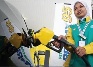 Giá dầu thế giới biến động: Malaysia vẫn đứng vững