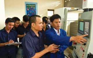 AEC với thị trường lao động Việt Nam: Cơ hội lớn, thách thức nhiều