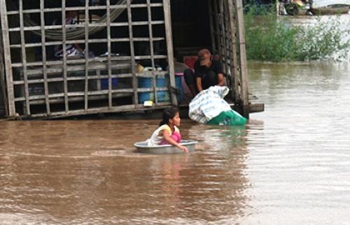 Trẻ em trước nguy cơ thảm họa thiên nhiên