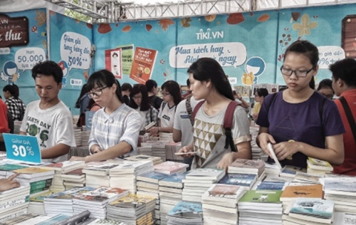 Muôn màu văn hóa đọc giới trẻ
