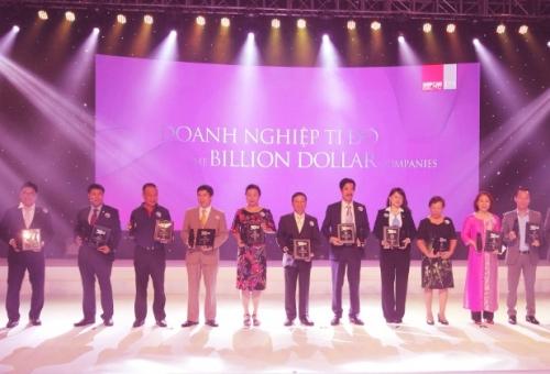 """Vinamilk tiếp tục lọt Top """"50 công ty Kinh doanh hiệu quả nhất Việt Nam"""""""