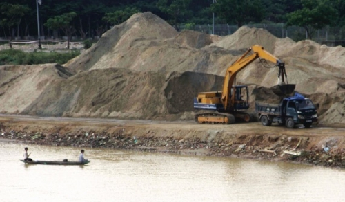 Siết hoạt động khai thác cát, sỏi