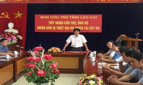 Ngành Ngân hàng ủng hộ đồng bào bị thiệt hại do mưa lũ tại Lào Cai