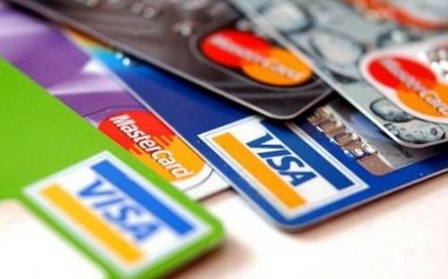 Cạnh tranh khốc liệt trên thị trường thẻ tín dụng