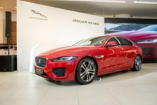 Cận cảnh bộ đôi Jaguar XE và Land Rover Discovery Sport vừa trình làng thị trường Việt