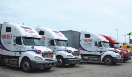 Doanh nghiệp vận tải: Theo xăng, tăng cước