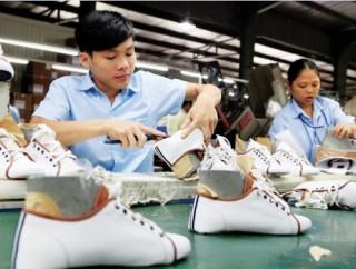 Da giày Việt vẫn yếu ở sân nhà
