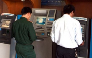 MB điều chỉnh phí giao dịch tại ATM