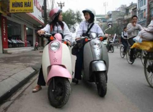 Nhộn nhịp thị trường xe máy cho học sinh