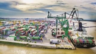 Kinh tế Việt Nam chậm lại, triển vọng vẫn tích cực
