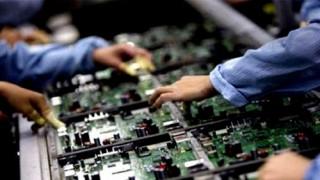 Phát triển công nghiệp hỗ trợ: Mắc và tháo cởi từ thể chế