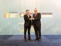 """HDBank nhận giải """"Ngân hàng bán lẻ nội địa tốt nhất năm 2019"""""""