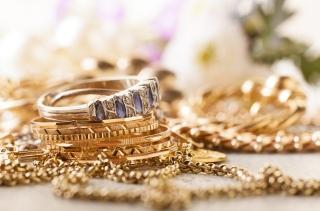 Thị trường vàng 10/7: Đứng vững trên mốc 1.800 USD/oz