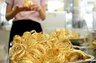 Thị trường vàng 21/7: Các yếu tố kinh tế và địa chính trị đang đẩy vàng lên cao