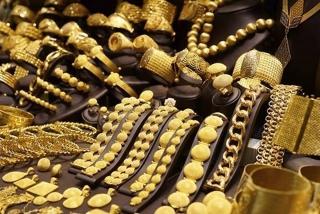 Thị trường vàng ngày 12/7: Giảm nhẹ nhưng vẫn trên ngưỡng 1.800 USD/oz