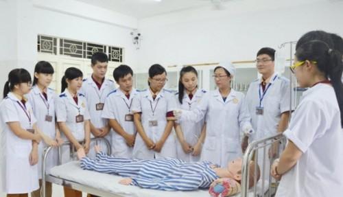 Tuyển sinh ngành y vì đâu nên nỗi?