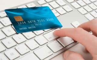 """Đẩy mạnh """"bắt tay"""" ưu đãi khách hàng giao dịch trực tuyến"""