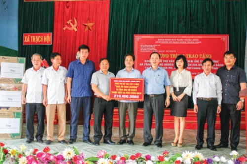 Ngành Ngân hàng Hà Tĩnh: Đỡ đầu nông thôn mới