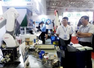 Thống nhất và chuẩn hóa quy định về hàng Việt Nam