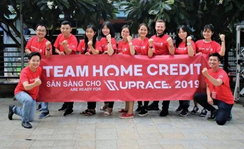 Hơn 1000 nhân viên Home Credit đăng ký chạy bộ bằng ứng dụng công nghệ