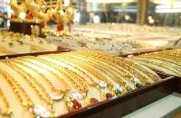 Thị trường vàng 3/8: Hợp đồng tương lai khoan thủng ngưỡng 2.000 USD/oz