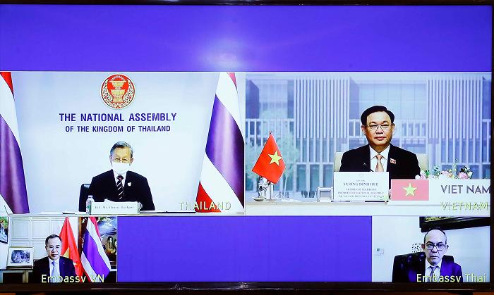 Việt Nam - Thái Lan sớm đưa kim ngạch thương mại hai chiều đạt mục tiêu 25 tỷ USD
