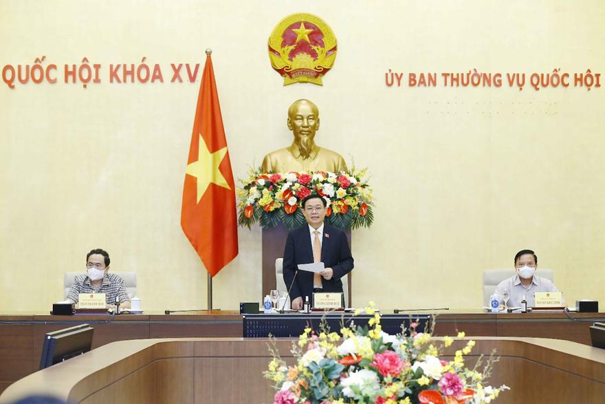 Chủ tịch Quốc hội Vương Đình Huệ: Tập trung trí tuệ để sớm kiểm soát dịch bệnh