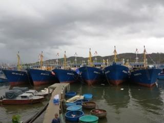 Bình Định: Bàn giao 7 tàu cá vỏ thép cho ngư dân