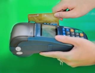 Vietcombank phối hợp thu ngân sách Nhà nước sử dụng máy POS