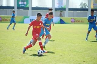 Doanh nghiệp đồng hành cùng giải bóng đá Thiếu niên toàn quốc 2018