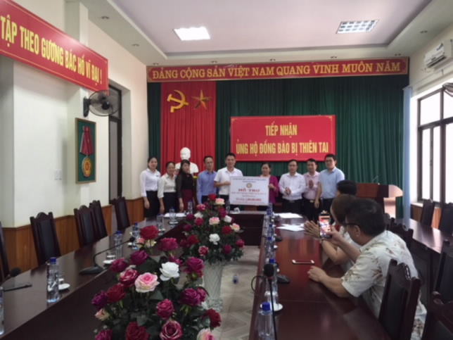 Ngành Ngân hàng ủng hộ đồng bào bị thiệt hại do mưa lũ tại tỉnh Điện Biên, Hòa Bình và Sơn La