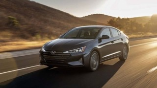 Hyundai Elantra 2019 chốt giá từ khoảng 417 triệu đồng