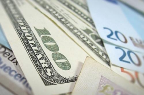 Thấy gì qua chính sách tiền tệ của Mỹ và châu Âu