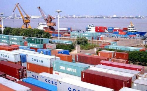 Xuất khẩu và xuất siêu tăng mạnh vì đâu?