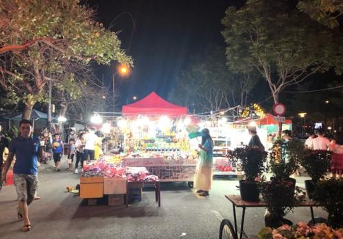 """Thiếu kinh tế đêm, Đà Nẵng """"chạy dài"""" cũng khó thành """"Singapore của Việt Nam"""""""