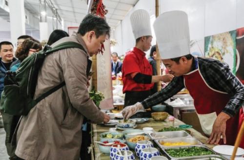 """Để ẩm thực Hà Nội trở thành """"đòn bẩy"""" cho du lịch"""