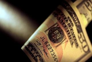 Tỷ giá ngày 3/9: Giá bán USD tại các ngân hàng đi ngang