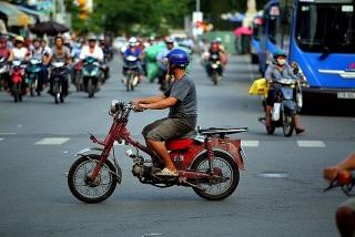 Hà Nội sẽ hỗ trợ cho người dân đổi xe máy quá đát
