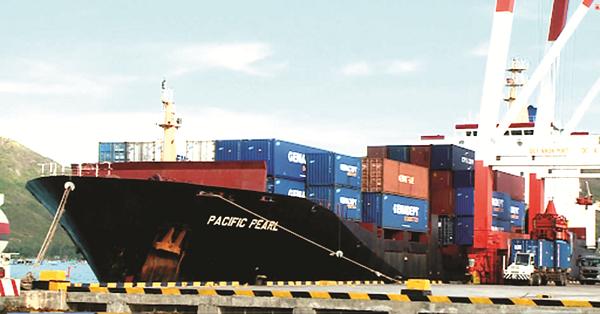 TP.HCM: Xuất khẩu vẫn tăng, kinh tế đang khôi phục dần